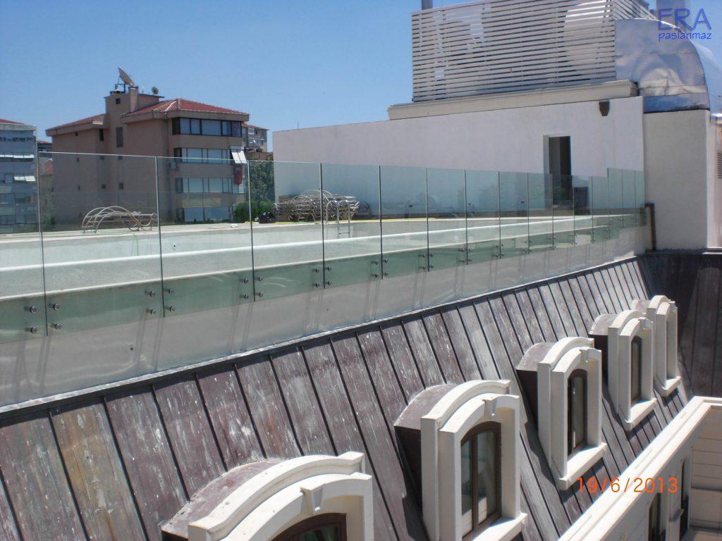 WYNDHAM GRAND İSTANBUL KALAMIŞ MARİNA HOTEL - CAM KORKULUK